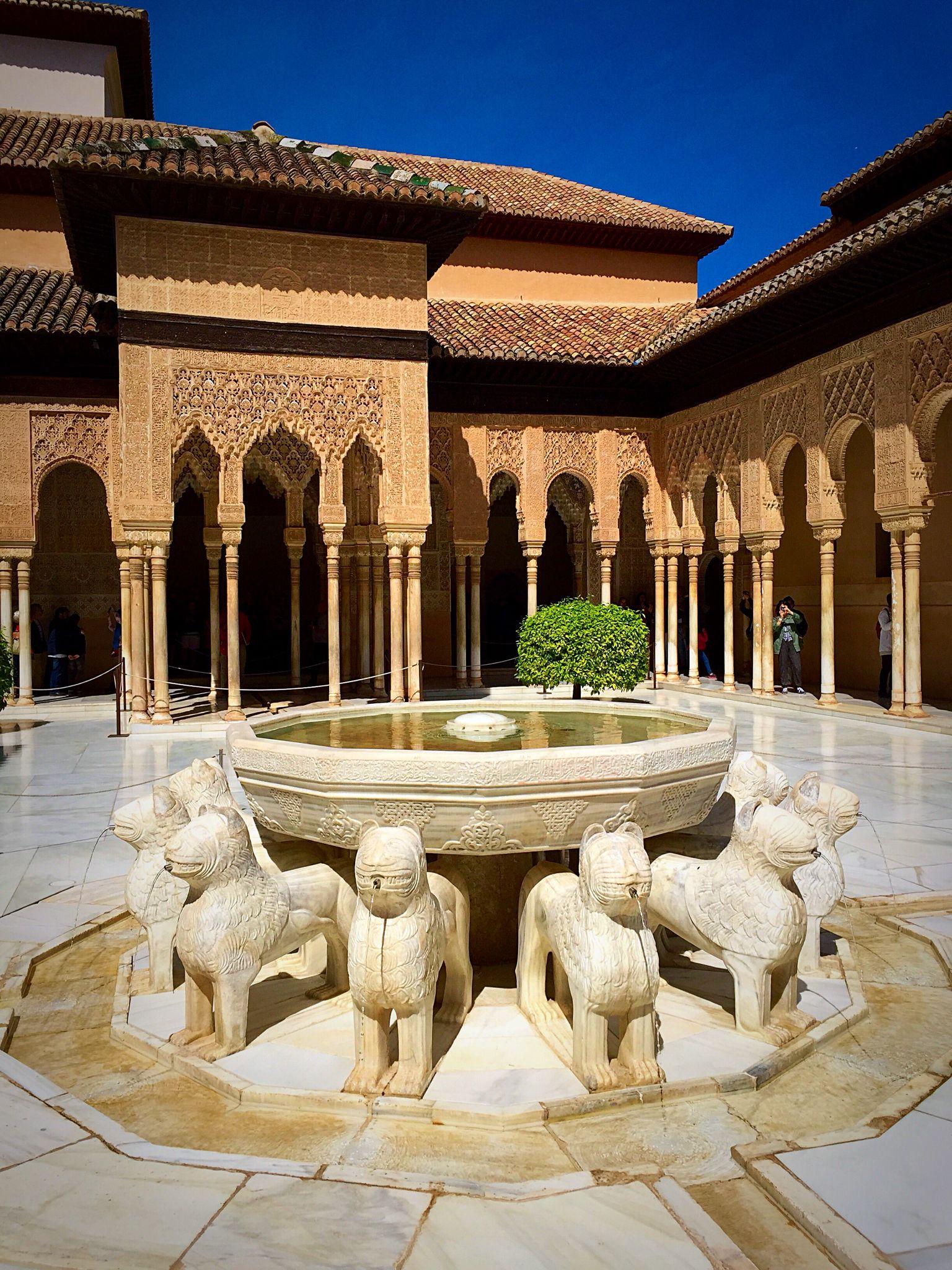 アルハンブラ宮殿 ライオン 中庭