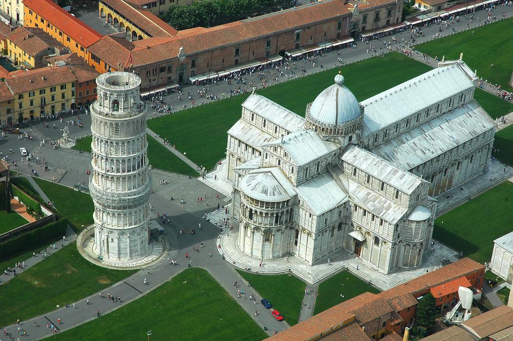 ピサ大聖堂 ラテン十字形