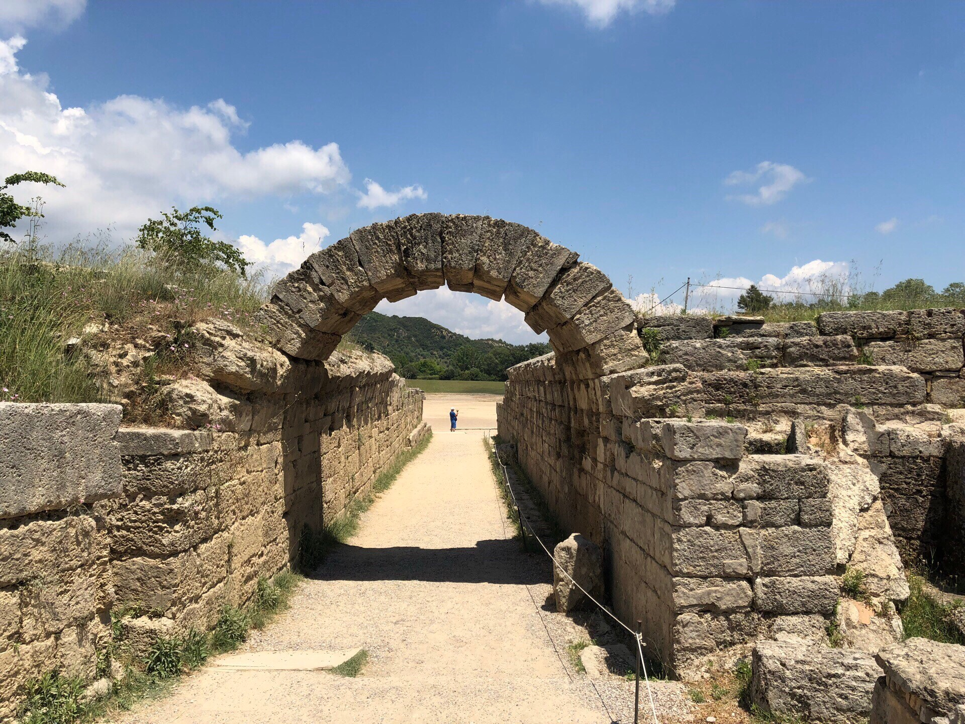 オリンピア 古代ギリシャ アーチ